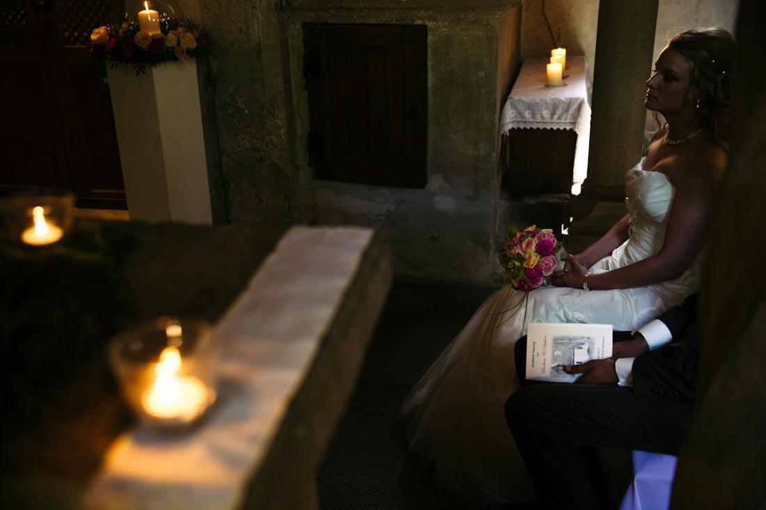 stimmungsvolles licht in kapelle