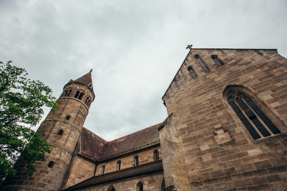 kloster lorch mit wolken