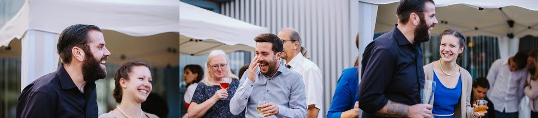 hochzeitsreportage Gäste lachen