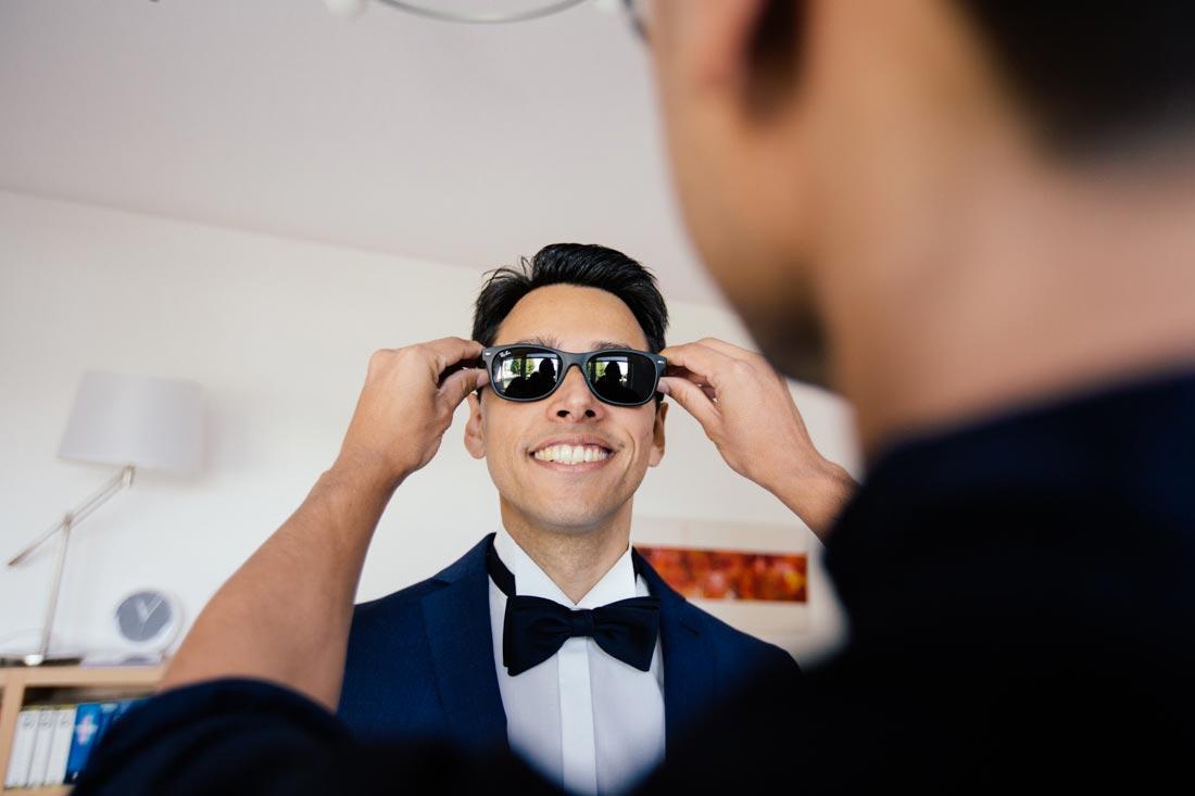 bräutigam und seine neue brille