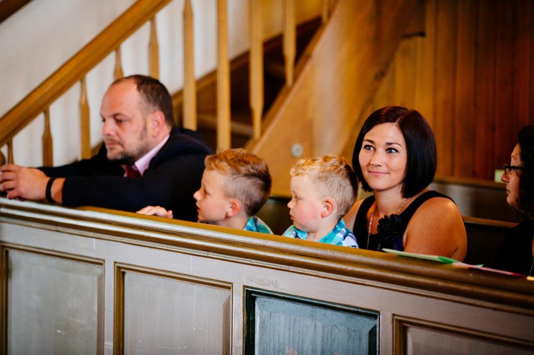 hochzeitsfotografie gäste kirche unterriexingen