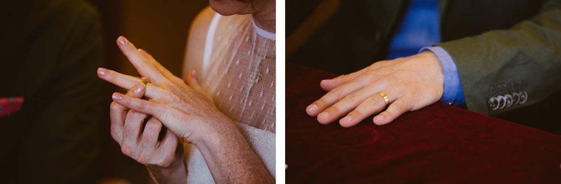 Hochzeitsbilder Eheringe an der Hand