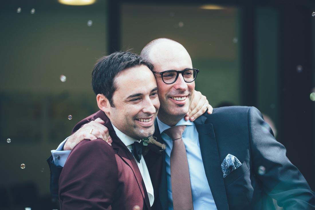 Bräutigam mit Bruder