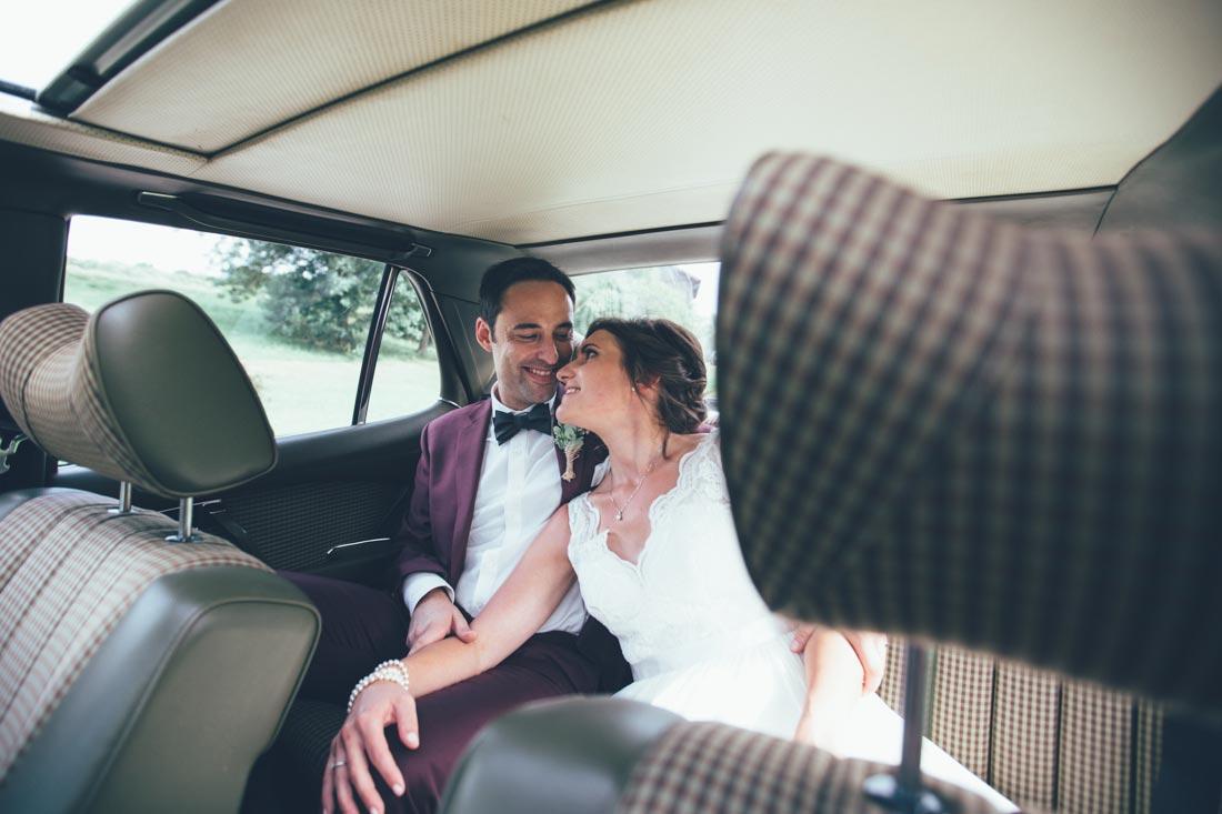 Shooting im Hochzeitsauto