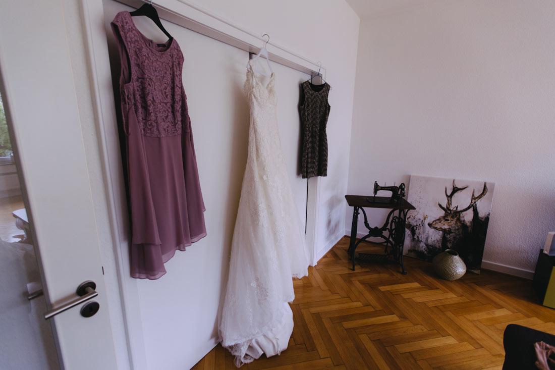 Brautkleid wartet auf die Braut