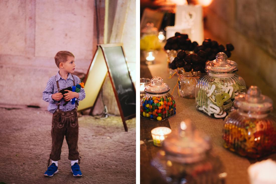 Junge und Candy-Bar