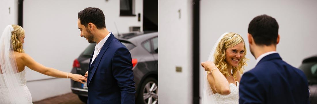 Bräutigam bewundert die Braut