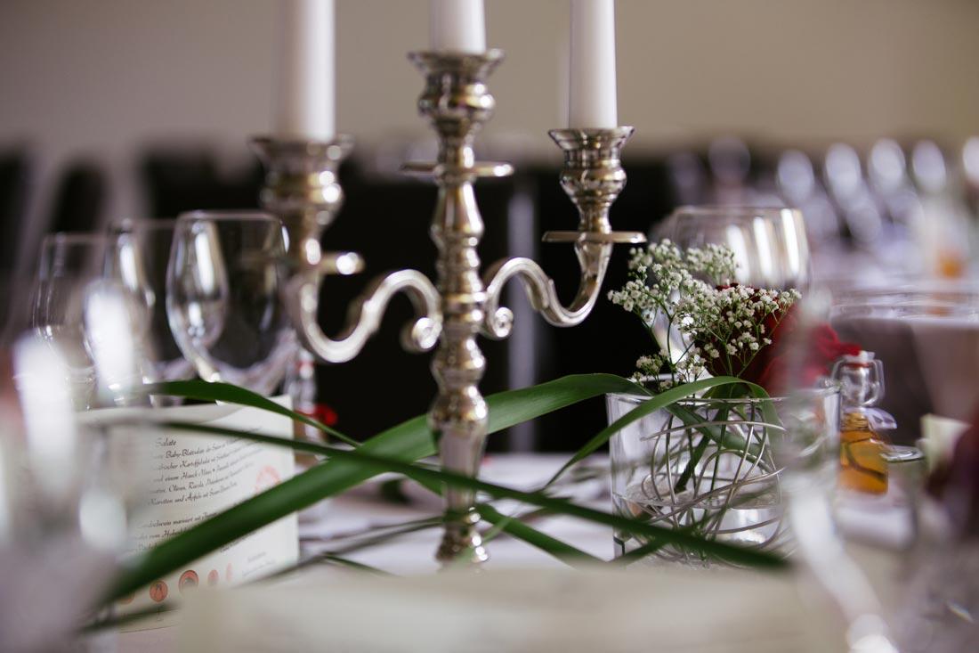 Kerzenständer auf dem Tisch