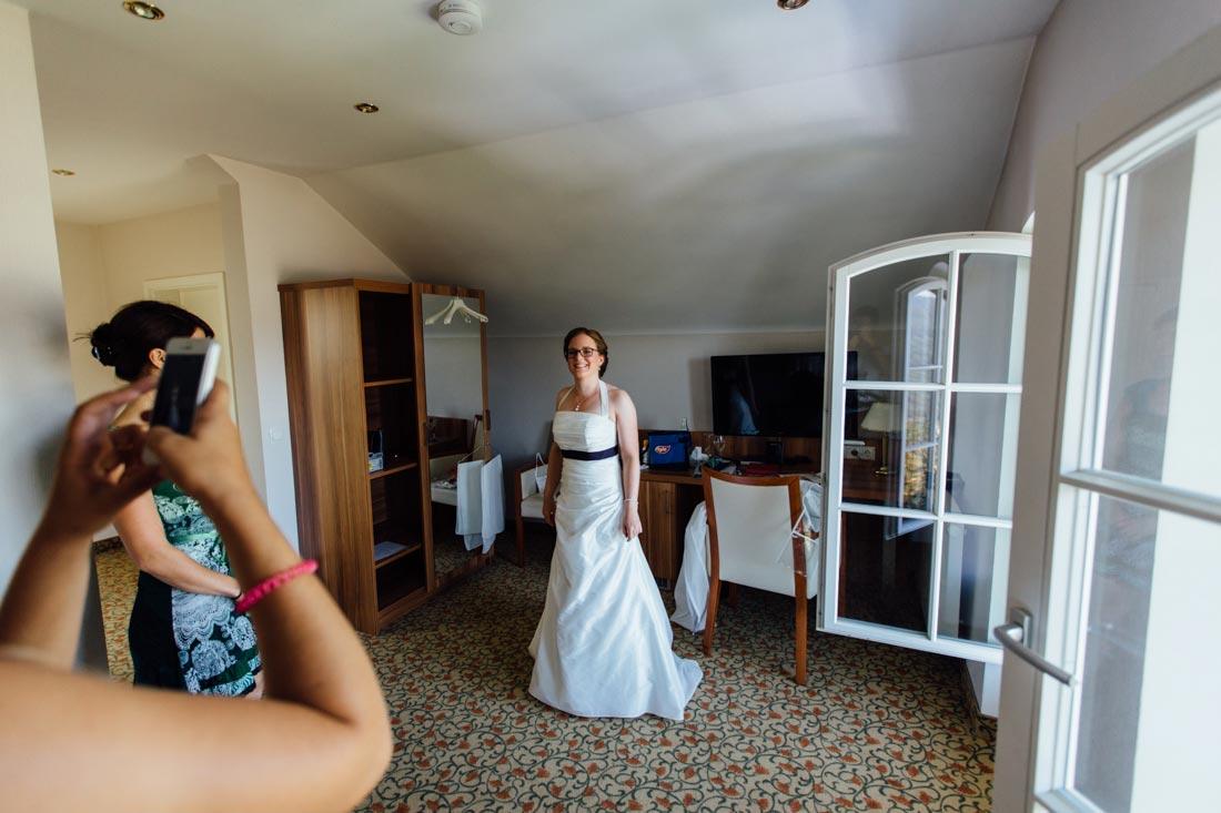 Die Braut nach dem Getting Ready