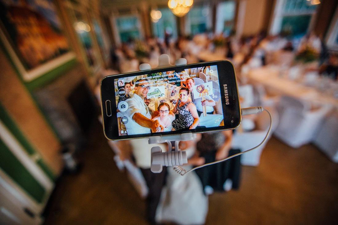 Wedding-Selfie-Time