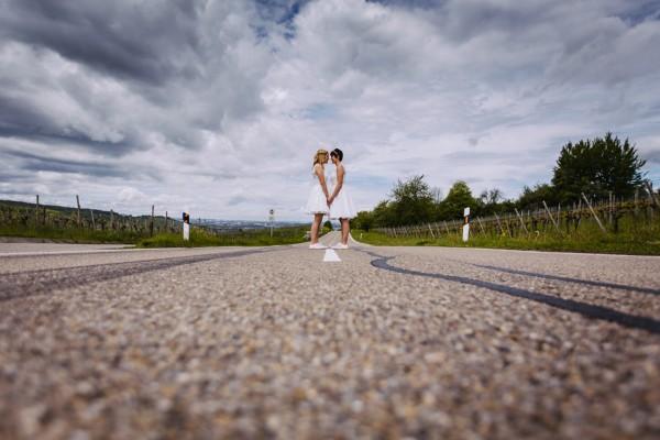 Hochzeitsfoto mitten auf der Strasse