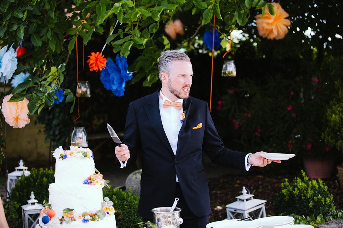 Der Braäutigam wartet auf Gäste