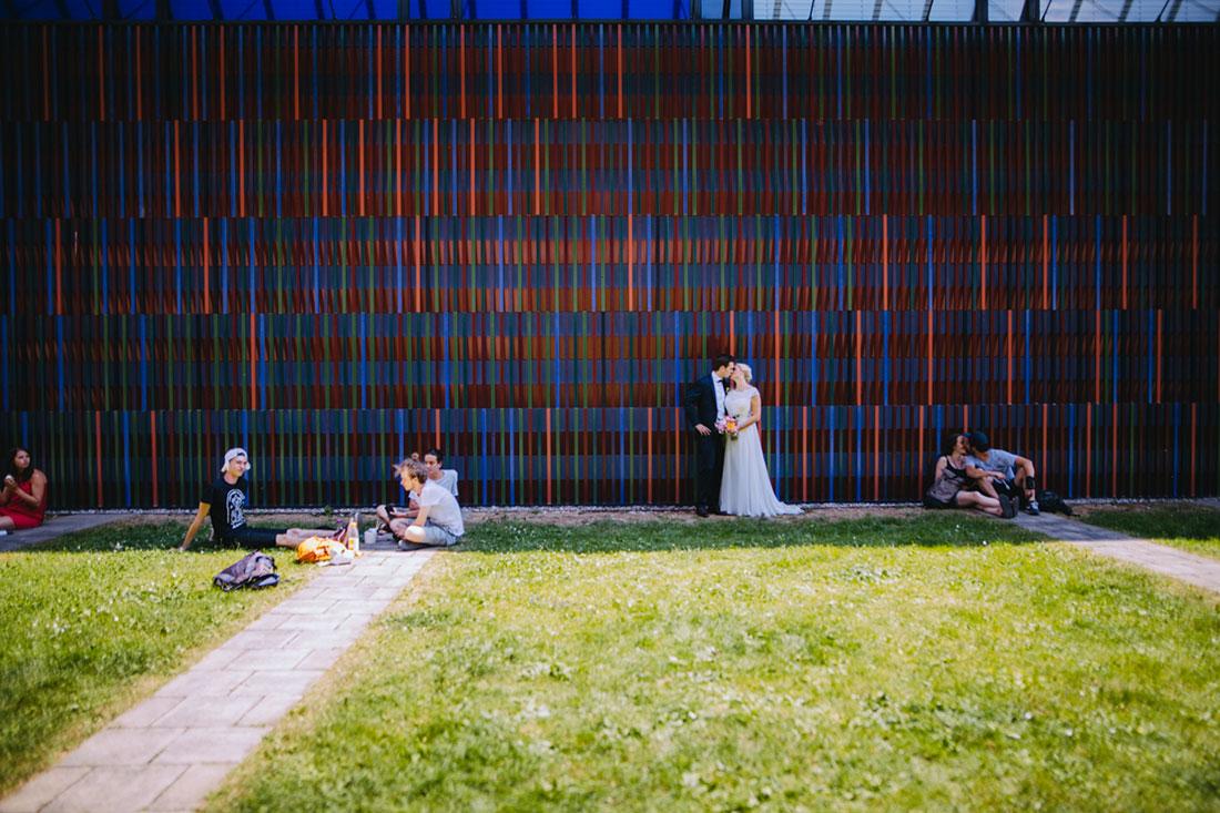 Hochzeitsbilder vor dem Brandhorst Museum