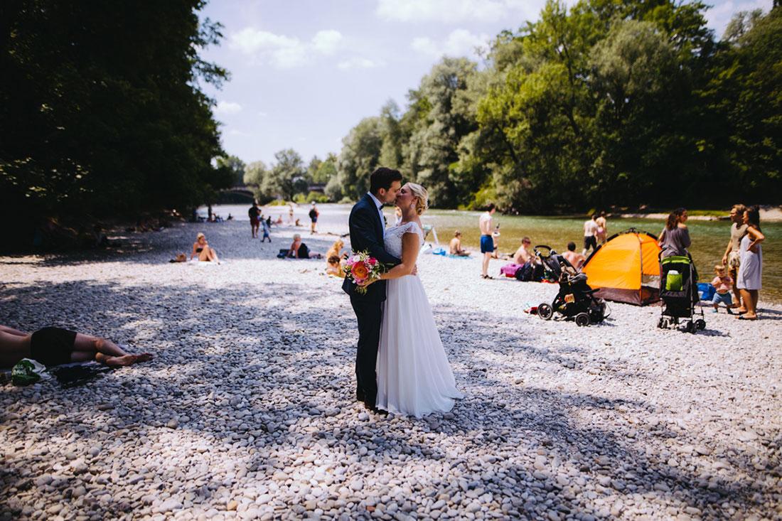 Hochzeitsfotografie in München an der Isar