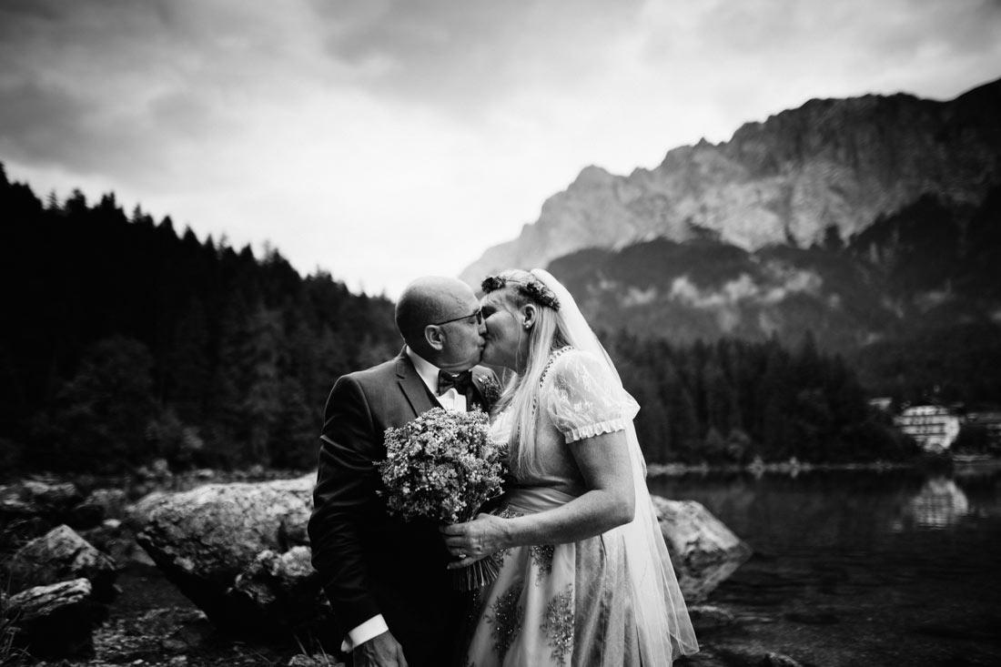 Kuss vor der Zugspitze
