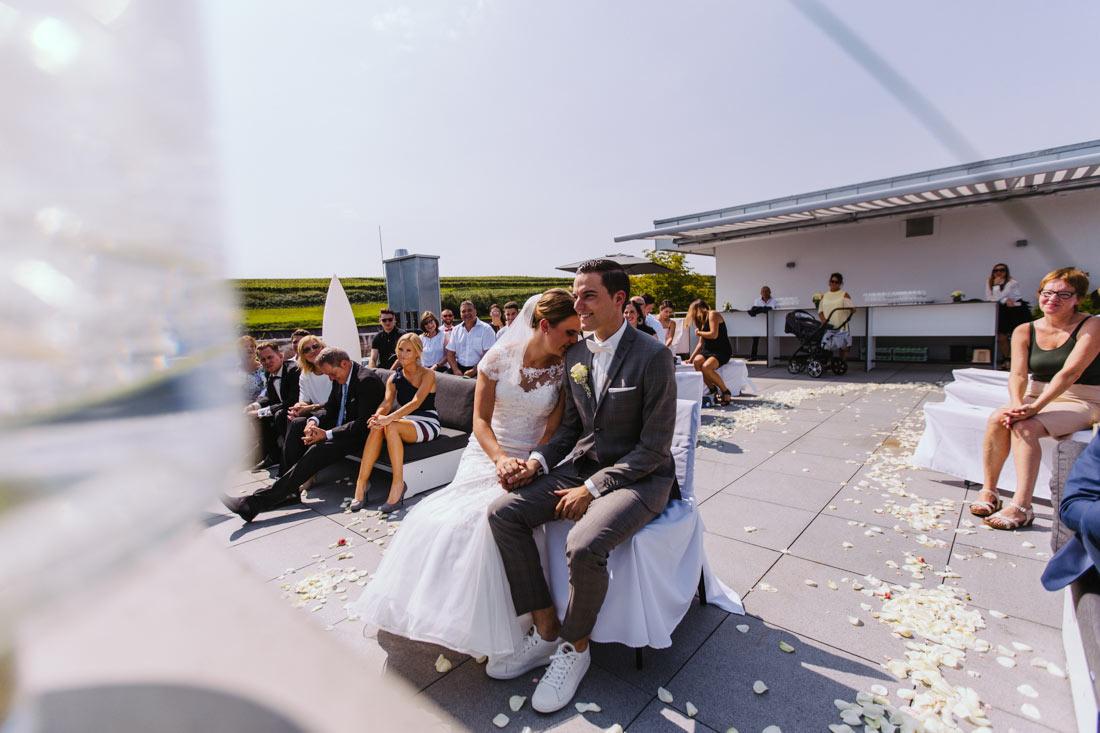 Intimer Moment des Hochzeitspaares