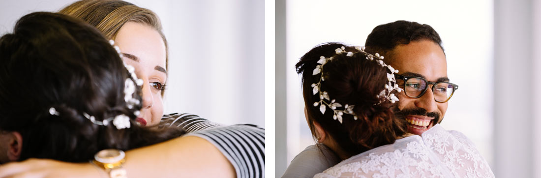Die Braut wird umarmt