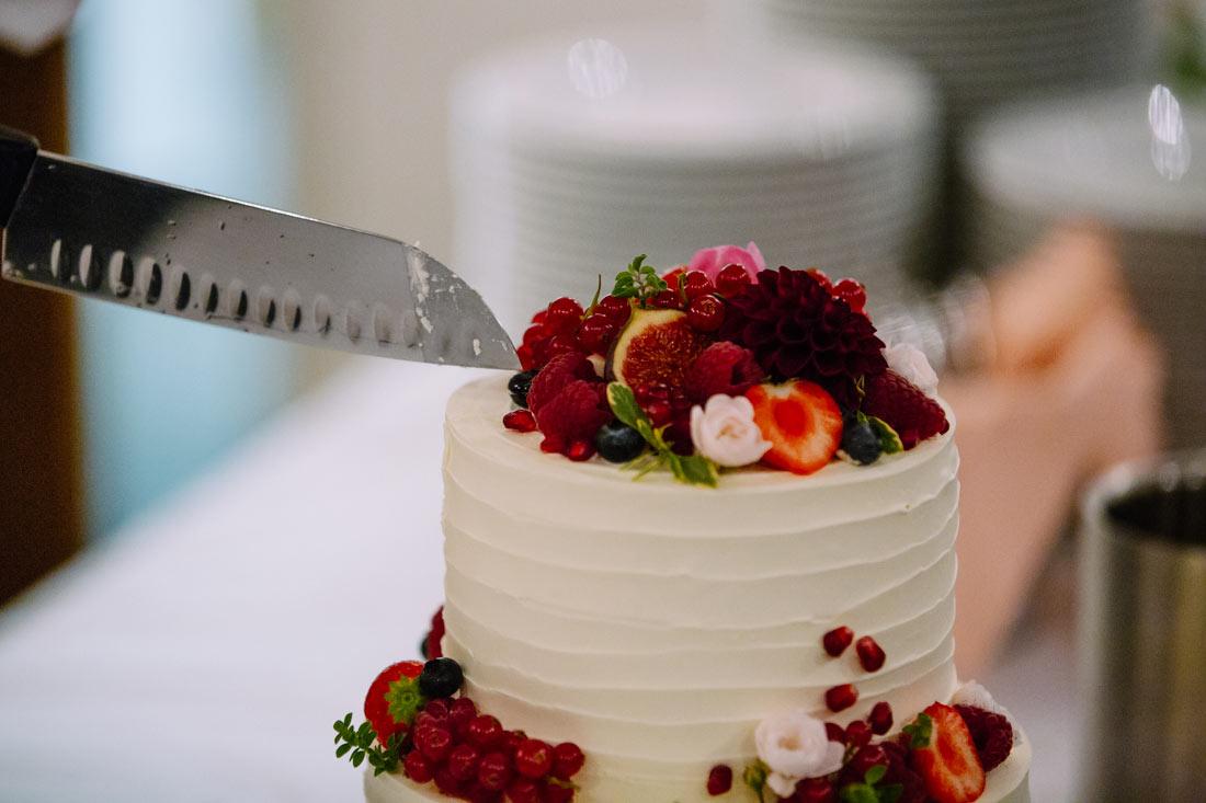 Das Messer und die Torte