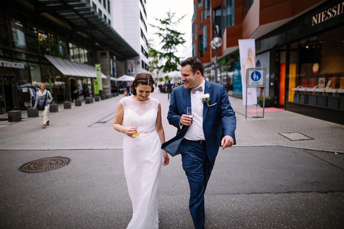 Hochzeitspaar mit Kölsch