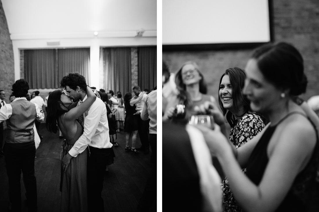 Kuss auf der Tanzfläche
