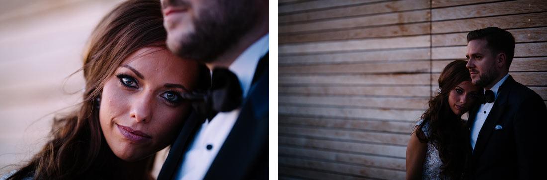 Paarbilder an einer Holzwand