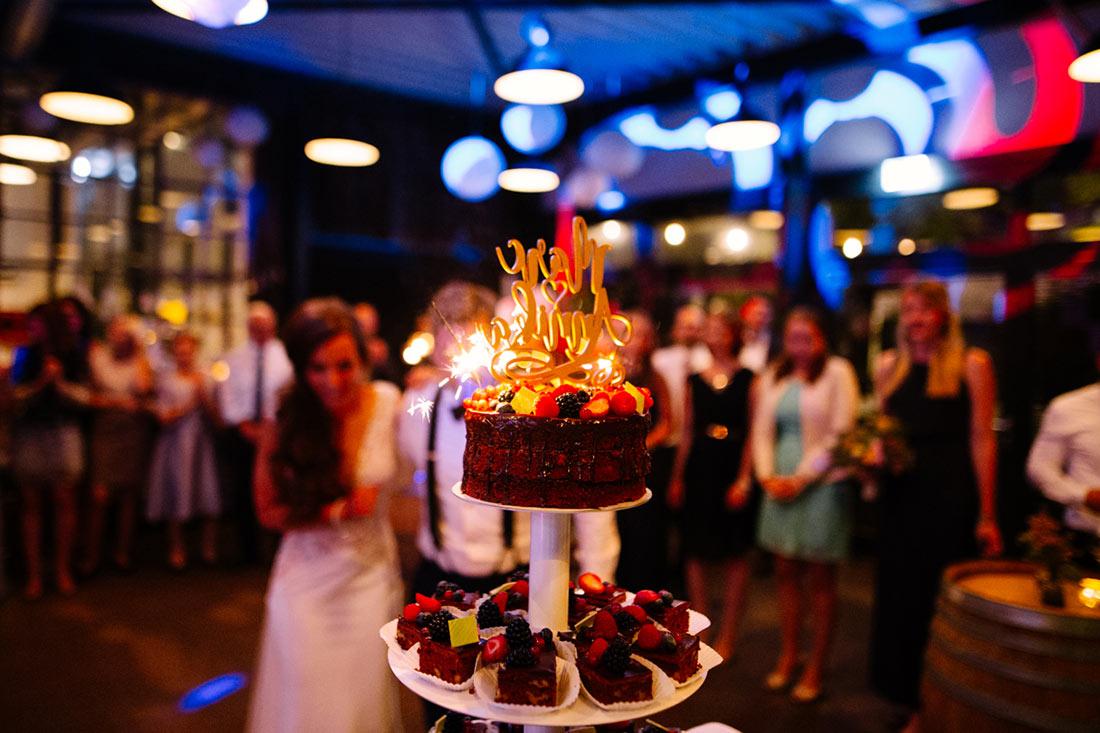 Die Torte wird präsentiert