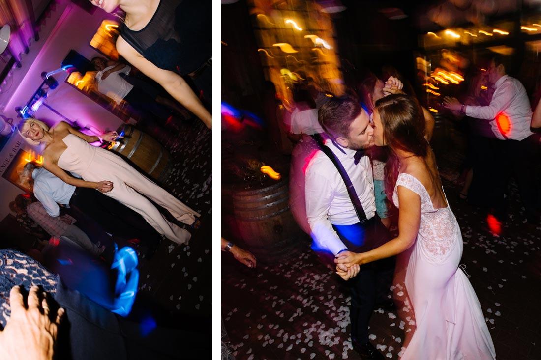 Hochzeitspaar feiert