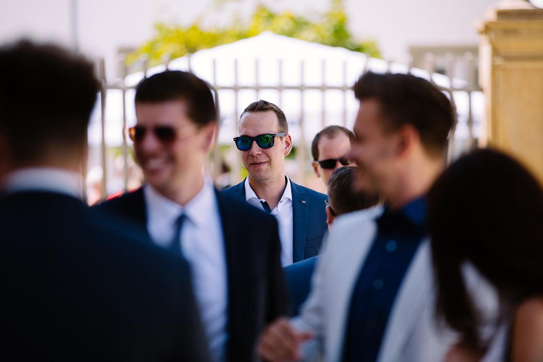 Gast mit Sonnenbrille