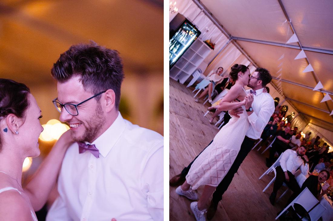 Kuss nach dem Hochzeitstanz