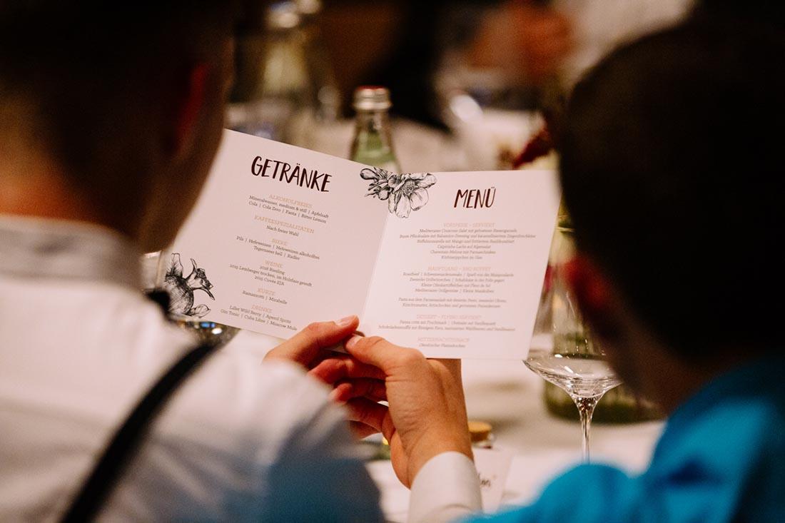 Speisekarte auf er Hochzeit