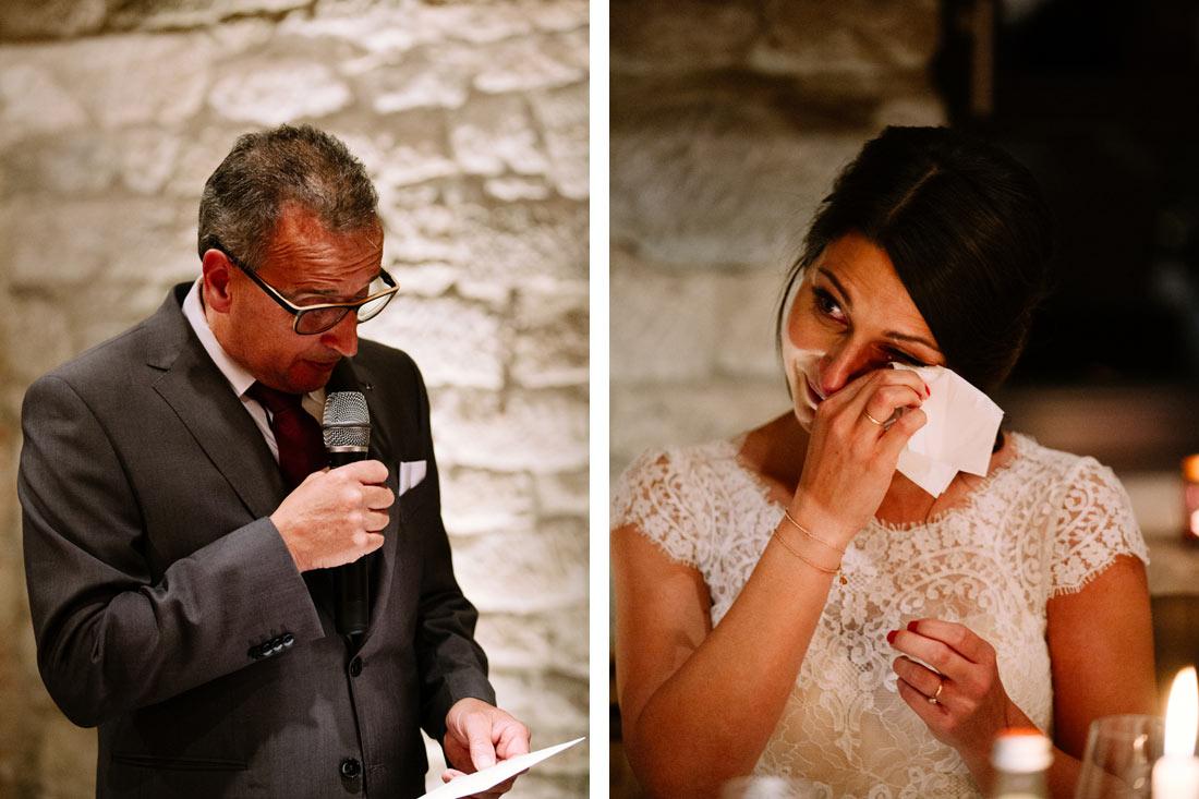 Gerührte Braut bei Rede